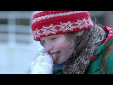 Funny Kids Learn Why It's A Bad Idea To Lick Frozen Poles