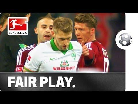 Amazing Sportsmanship Shown By Aaron Hunt From SV Werder Bremen