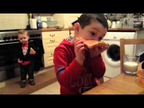 What Happens When Kids Hear The Ice Cream Van Music - FAIL