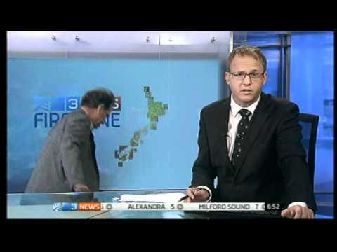 Dr Wayne Hope Can't Find The Exit After The News Interview - News Blooper