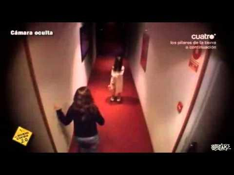 Pranks - Scary Girl In The Hallway Prank