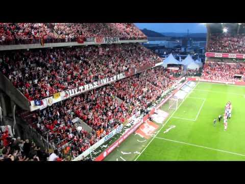 Soccer Fans Throw Toilet Paper At The Same Time