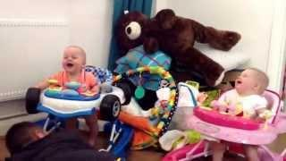 Dad Makes His 7 Months Old Twin Babies Laugh