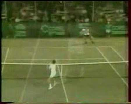 Amazing - This Must Be The Best Tennis Shot Ever