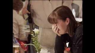 Cleaner Pisses Off Customers At Restaurant Prank