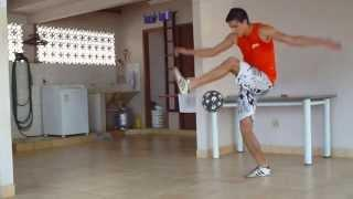Murilo Pitol Shows Off Freestyle Soccer Skills