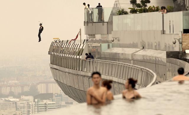 Awesome - Base Jumping From Marina Bay Sands